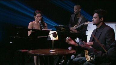 Musical de abertura com Joyce Cândido - Cantora se apresenta com muito samba e amor no palco do Programa do Jô