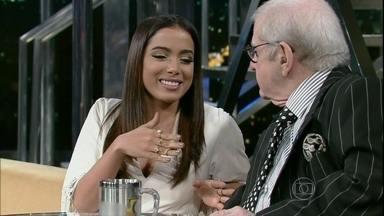 Reveja trecho de entrevista de Anitta - Cantora conta história 'maluca' no Programa do Jô