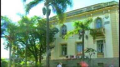 Prefeituras do Alto Uruguai, RS reduzem despesas após queda ICMS - Jornada de trabalho em turno único tem sido a principal medida dos municípios.