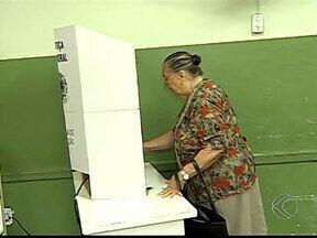 Movimento em Patos de Minas é tranquilo durante eleições - Cidade conta com quase 340 seções. De acordo com o juiz eleitoral, foram cadastrados 107.172 eleitores.