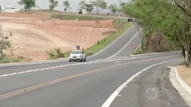 Obras da rodovia dos Metalúrgicos são concluídas em Volta Redonda, RJ - Com quatro quilômetros, terceira faixa fará parte da ligação com Rodovia do Contorno.