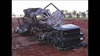 Fátima traz mais informações sobre acidente de ônibus de estudantes em SP - Acidente deixa 11 mortos e 30 feridos