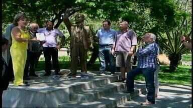 Corpo de ex-prefeito de Alegrete é velado em Guaíba, RS - José Carlos de Moura Jardim Filho foi um dos grandes nomes da política da cidade.