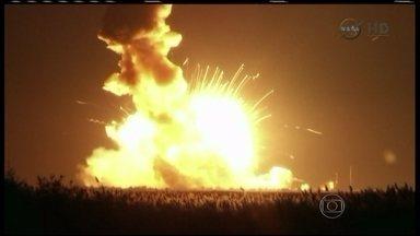 Foguete não tripulado explode nos EUA - Um foguete não tripulado de uma empresa privada a serviço da Nasa foi lançado da base de Wallops, no estado da Virgínia. Mas, segundos depois, explodiu para espanto das pessoas que acompanhavam o lançamento. Não houve feridos.