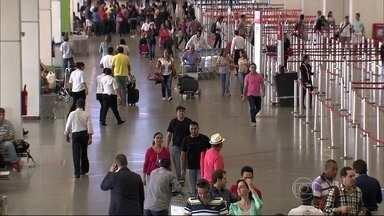 Lista mostra quais são os melhores e piores aeroportos do Brasil - Passageiros reclamam do preço dos restaurantes, lanchonetes e estacionamento. Outro ponto que incomoda quem viaja de avião é o tempo de espera na hora de pegar a bagagem.