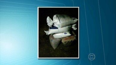 Dupla é detida em Igarassu trocando sacos de açúcar por areia - Polícia afirma que intenção era vender o açúcar, que era de um tipo especial.