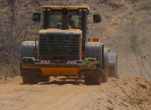 Máquinas do PAC são apreendidas em propriedade privada em Salgueiro - Prefeito e dois funcionários serão ouvidos pela Polícia Federal.