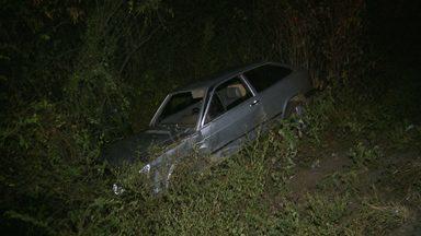 Acidente deixa duas pessoas feridas em Campina Grande - Um dos motoristas fugiu do local do acidente.