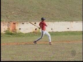 Atletas do beisebol de Presidente Prudente competem neste fim de semana - Grupo de esportistas de 16 anos disputam Campeonato Brasileiro no Paraná.