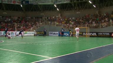 Cad se classifica para as quartas-de-final em jogo emocionante - A partida contra o Floripa terminou com placar de cinco a dois para o futsal de Guarapuava. Próximo adversário será o Orlândia de São Paulo.