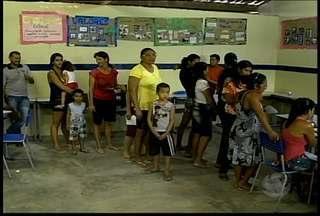 Moradores do bairro São Gonçalo, em Petrolina, receberam a equipe do Governo Presente - Em parceria com outra instituições, foram realizados serviços como emissão de documentos e inscrições em programas sociais.