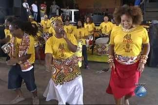 Ilê Aiyê comemora 41 anos com festa no Curuzu - São 41 anos de tradição de uma das mais importantes entidades culturais da Bahia.