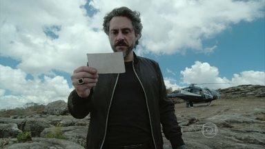 José Alfredo lembra da conversa que teve com Maria Marta - Ele lê carta que o chama de ladrão e assassino