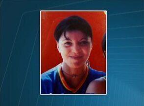 Mulher é morta a tiros no Sertão de PE e companheiro é o principal suspeito - Segundo a polícia, crime aconteceu no Bairro Bom Jesus em Serra Talhada.