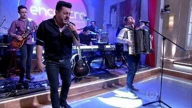 Bruno e Marrone cantam música mais tocada em 2013 - Dupla abre o Encontro de segunda-feira, 10