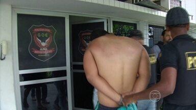 Operação desarticula quadrilha que traficava drogas em Olinda - Catorze pessoas foram detidas e 10 mandados de busca e apreensão, cumpridos.