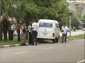 Idoso de 79 anos é atropelado em Avenida em Ipatinga - Motorista informou que tentou frear, mas atingiu o idoso.