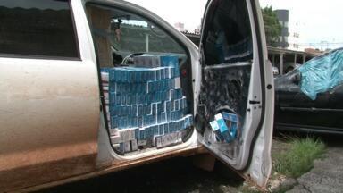 PRF apreende 15 mil carteiras de cigarro na BR-277 em Laranjeiras do Sul - O cigarro contrabandeado estava em uma caminhonete roubada em Santa Catarina no mês de setembro.