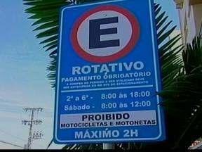 Mudança no estacionamento rotativo de Lajeado, RS - Agora é preciso pagar para estacionar em uma das principais avenidas da cidade.