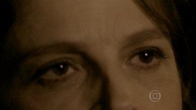 Povão mostra que sabe fazer olhar mais terrível do que o da Cora - Mariana Xavier comanda concurso dos olhares inspirado em Império