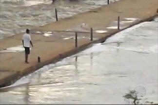 Chuvas causam transtornos em várias partes da Bahia - A previsão é de mais chuva e frio nos próximos dias. Veja a previsão do tempo.