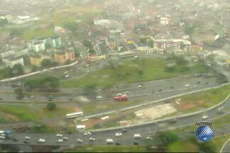 Viaduto Dona Canô sofre mudanças para tentar reduzir engarrafamento - Agora os veículos só trafegam no sentido São Rafael.