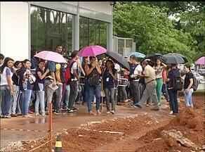 Servidores fazem protesto para cobrar melhores salários em Palmas - Servidores fazem protesto para cobrar melhores salários em Palmas