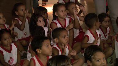 Correios recebem cartas de crianças carentes para Papai Noel em Alagoas - Crianças da creche Pró Amor participaram do lançamento da campanha solidária.