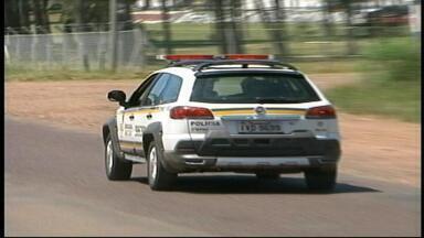 Homem tem carro roubado no centro de Uruguaiana, RS. - Cerca de 50 veículos foram furtados na cidade.