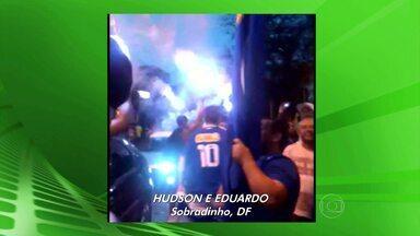 VC no GE: confira os vídeos da comemoração dos torcedores do Cruzeiro em todo o país - Torcedores enviaram pelo GloboEsporte.com vídeos da comemoração. Confira se você apreceu no Globo Esporte da TV