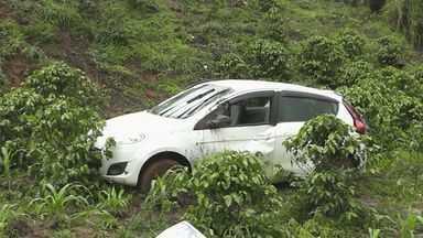 Cinco pessoas ficam feridas em acidente na BR-146 em Poços de Caldas - Cinco pessoas ficam feridas em acidente na BR-146 em Poços de Caldas