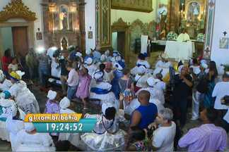Missa é celebrada em comemoração ao Dia das Baianas de acarajé - Só em salvador, são cerca de 3 mil profissionais. Data é celebrada nesta terça-feira (25).