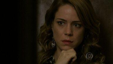 Cristina ouve Cora se declarando para José Alfredo - Ela contatudo para Elivaldo. Jairo fica furioso com Cora