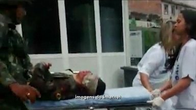 Cabo do exército é morto por traficantes no conjunto de favelas da Maré, no Rio - Segundo a Força de Pacificação, os militares faziam um patrulhamento na região conhecida como Vila dos Pinheiros quando um grupo de bandidos atirou contra eles. Um soldado foi atingido na cabeça.