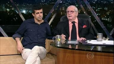 Marcius Melhem está junto com seu parceiro, Leandro Hassum, no filme 'Os Caras de Pau' - Ele também vai falar da nova temporada de Tá No Ar: A TV Na TV, que deve estrear em janeiro na Globo