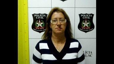 'Viúva Negra'de Santa Catarina teria matado parceiros por dinheiro - A polícia de Caçador (SC) prendeu Marli Teles de Souza, de 46 anos. Ela é acusada de planejar a morte de dois maridos, um namorado e um amante. Tudo para ficar com dinheiro de pensões e seguros de vida.