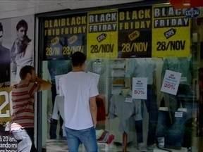 Black Friday movimenta o comércio de Passo Fundo,RS - Muitos aproveitaram os decontos para garantir os presentes de natal