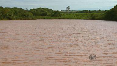Moradores da Chácara Flora em Araraquara temem contaminação de água após canos rompidos - Moradores da Chácara Flora em Araraquara temem contaminação de água após canos rompidos