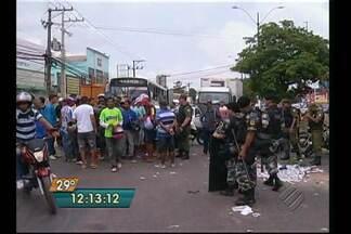 Mototaxistas interditam a avenida Augusto Montenegro - Protesto é contra as constantes fiscalizações.