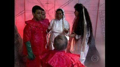 Há 15 anos, Muvuca reunia time de estrelas - Relembre programa de Regina Casé