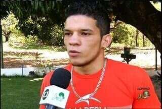 Cearense vence campeonato sul americano de muay thai - Kayck Alencar derrotou peruano, em Brasília.