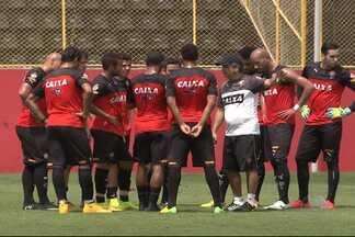 Polêmica deixa torcedores de times baianos ansiosos - Saiba mais sobre a situação do Bahia e do Vitória na última rodada do Campeonato Brasileiro. Pelo menos um deles cai para a segunda divisão.