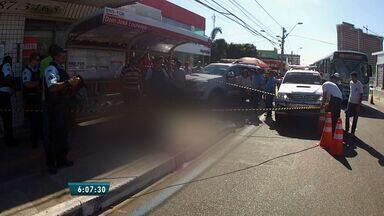 Homem é executado em parada de ônibus, em Fortaleza - Crime aconteceu no Bairro São Gerardo.