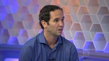 Caio Ribeiro elogia o futebol e a regularidade de Cruzeiro e Atlético-MG - Comentarista ainda elogia Ricardo Goulart e Éverton Ribeiro.