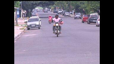 Falta de ordenamento no transito causa transtornos para motoristas em Santarém - Serviço de ordenamento iniciou em junho desse ano e foi paralisado.