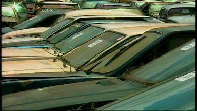 Leilão vende carros e motos guinchados na região - A expectativa é de que o leilão consiga mais de R$ 500 mil.