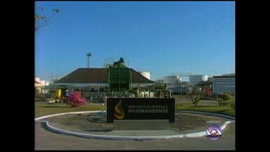 Refinaria Riograndense adquire remessas de petróleo para manter produção - Contrato com a Petrobrás terminou no domingo (30).
