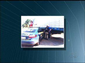 Motorista é preso furtando peças de caminhão apreendido no pátio da PRF - Motorista é preso furtando peças de caminhão apreendido no pátio da PRF