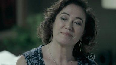 Marta debocha de Zé Alfredo - Ricaça surpreende o marido quando ele volta para casa