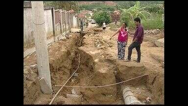 Cratera aberta pelas chuvas, em Aracruz, ES, continua sem solução - A situação vivida pelos moradores do distrito de Guaraná é dramática.